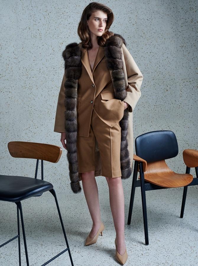 Парка-пальто из кашемира Loro Piana с отделкой мехом соболя и утеплением